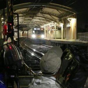 女子中学生2人が電車に飛び込み自殺