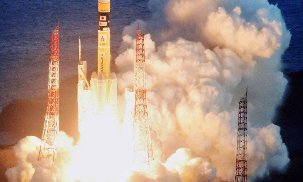 種子島で通信衛星の打ち上げに成功
