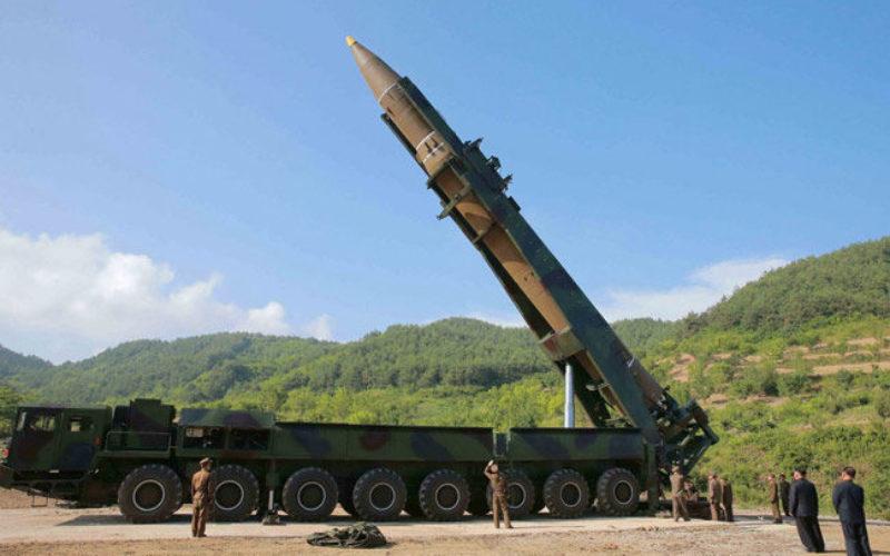 北朝鮮は大陸間弾道ミサイルICBMを見せ付け国際社会に威嚇