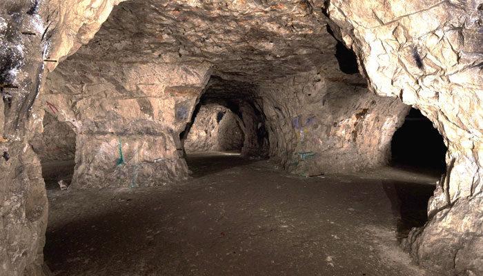 イギリスのチヅルハースト洞窟