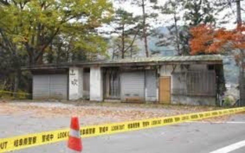岐阜県中津川市付知町の廃屋の押し入れの中から白骨化した男性の遺体