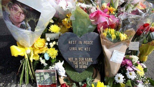 イギリスの北アイルランドで取材中の女性記者が死亡