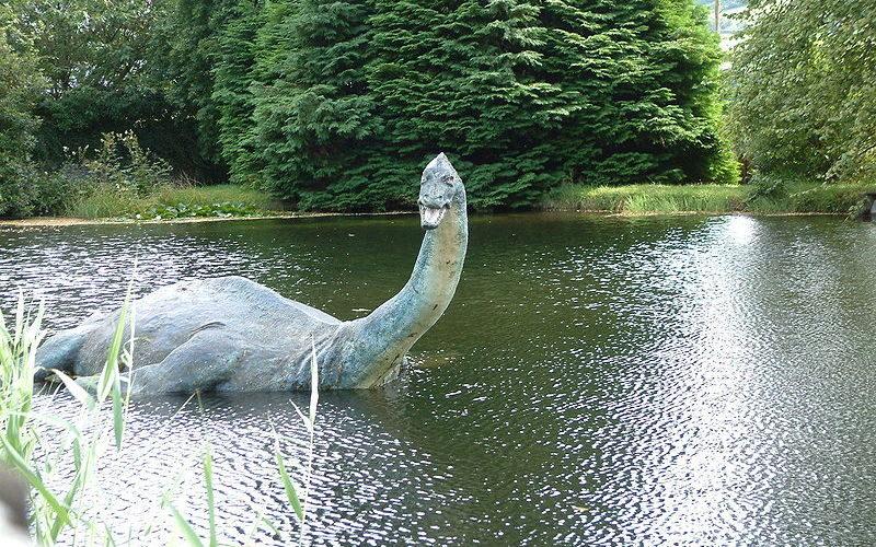 ネス湖の恐竜ネッシー