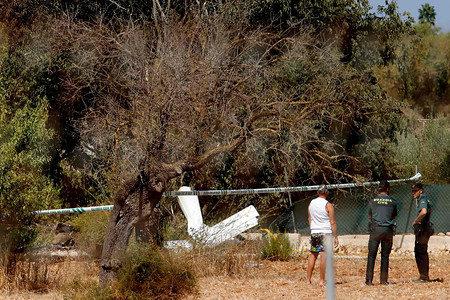 マジョルカ島で観光ヘリと軽飛行機が激突