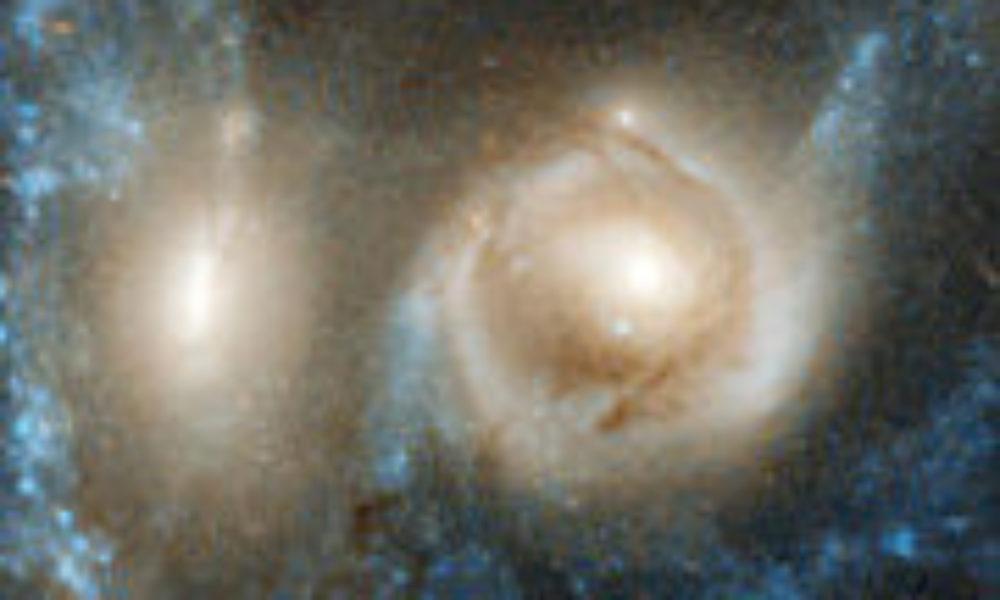 宇宙の亡霊7億光年先で銀河衝突ハッブル