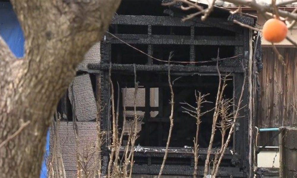 山口県下関市の住宅で火災が発生して焼け跡から2人の子供の遺体