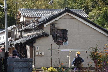 山口県下関市の住宅で火災が発生して焼け跡から2人の子供の遺体が発見された