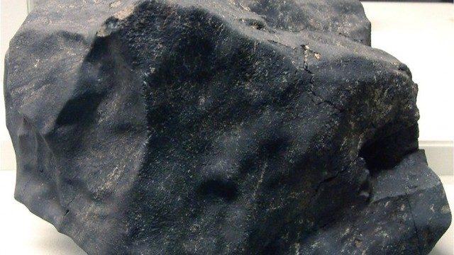 オーストラリアに落下した隕石の中から50億年前の物質を発見