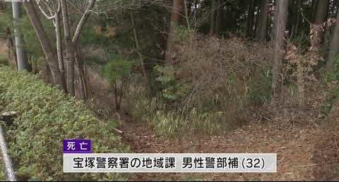 兵庫県三田市けやき台にある雑木林の中で首を吊っている男性の遺体