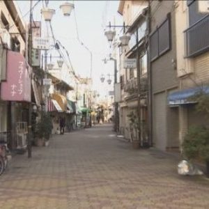 大阪市西成区の路上で男性二人を木製バットで殴り付けた男を逮捕
