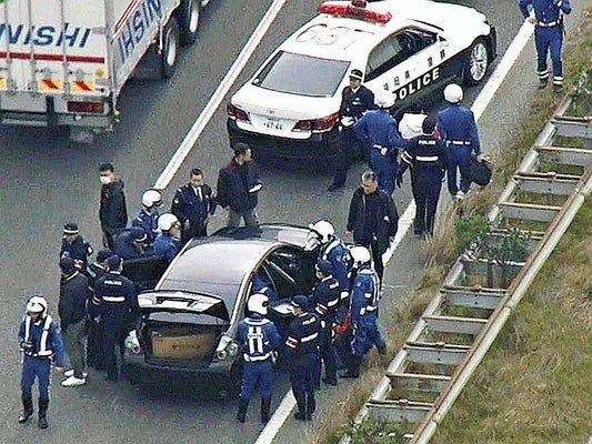 福岡市博多区の千代交差点で2人の女性を跳ねて逃走