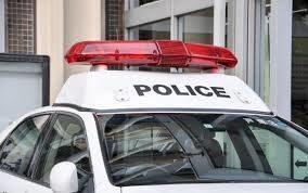 神奈川県警が保護していた泥酔の男性を送り届けている自宅で急性硬膜下血腫に罹って死亡