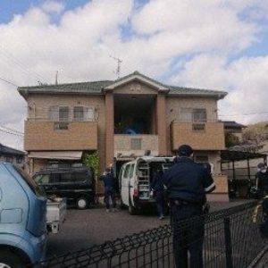 広島県福山市近辺町道上にある会社寮のアパート内で男性の遺体