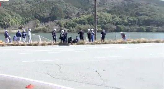 山口県下関市にあるダムの中に転落した車の車内から男女の遺体