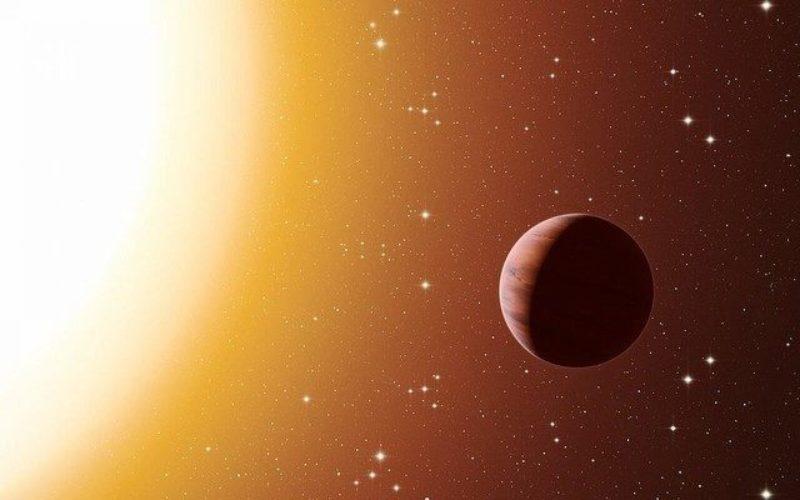 太陽系外惑星の中には日が差し込まない夜の空から鉄の雨が降る