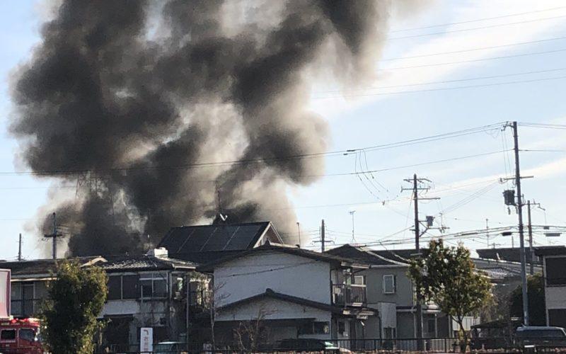 兵庫県加古川市野口町で住宅火災が発生して焼け跡から男性遺体