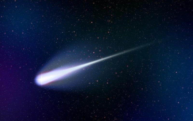 彗星のATLASが地球の側を通過する可能性があり観測が可能か