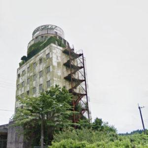宮崎県えびの市にある廃墟のホテルの室内の中で性別が不明ないた遺体