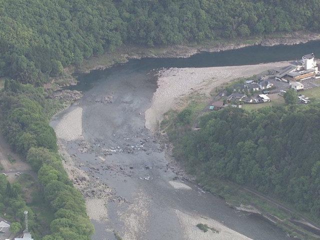 岐阜県関市の長良川でBBQをしていた男性が川で溺れて死亡