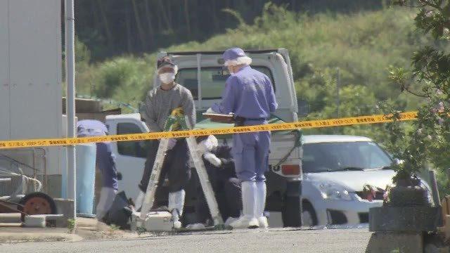 愛媛県今治市古谷にある住宅の敷地内に建てられた倉庫の中に住人の遺体