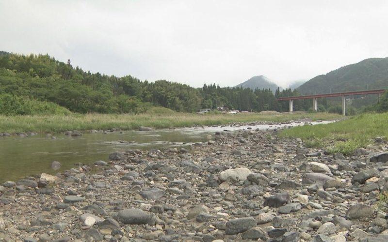 岐阜県中津川市付知町の藤川橋付近の付知川で女性の遺体