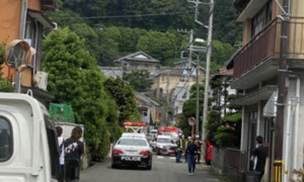 静岡県沼津市にある路上で女子大生が20歳の男に刃物で刺されて死亡