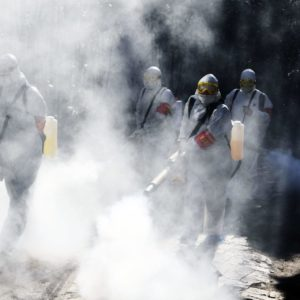 新型コロナウイルスの感染拡大を防ぐために中国の首都北京が都市閉鎖