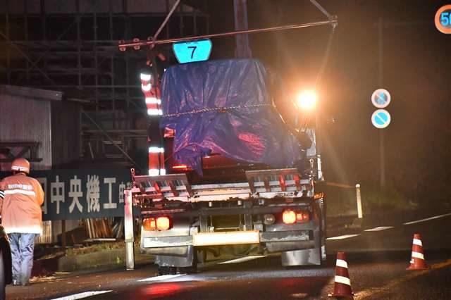 秋田県の国道で軽乗用車が歩道に乗り上げ車内から母娘の遺体2