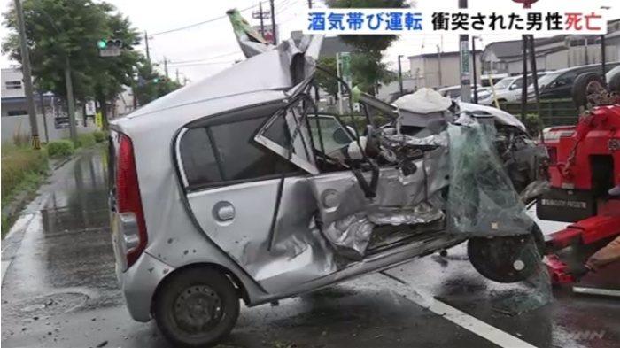 群馬県前橋市の国道でワゴン車が2台の車に激突して2人が死傷