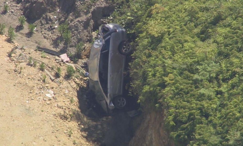 三重県紀北町にあるトンネル付近の崖下に車が転落して2人が死亡