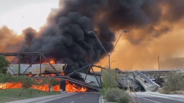 米西部のアリゾナ州テンピで貨物の脱線事故
