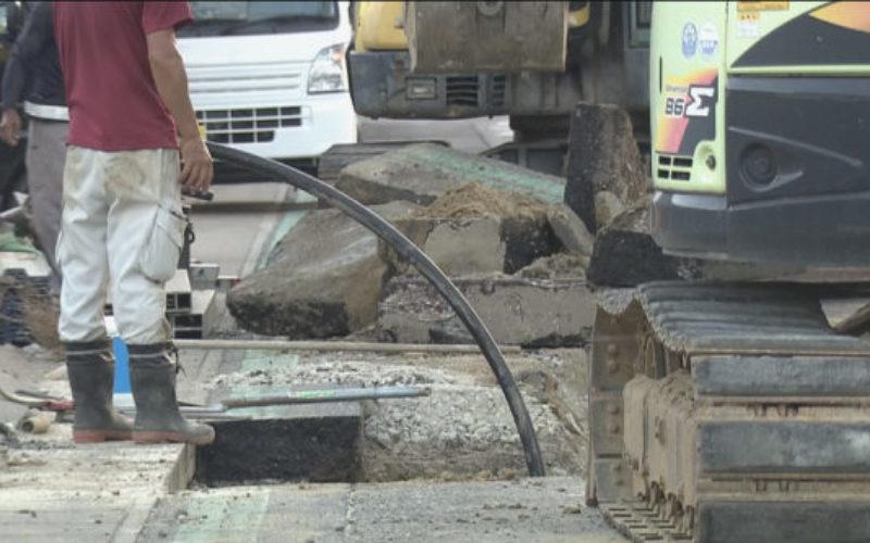 碧南市の下水道工事で掘られた穴が崩れ作業員が意識不明の重体
