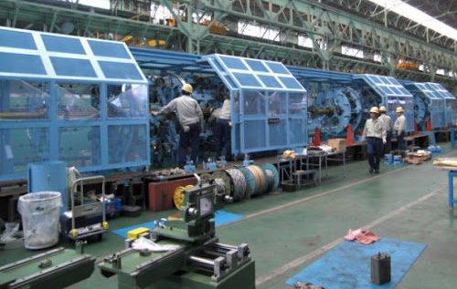 かすみがうら市の東京製綱で鉄線を巻く作業中に装置に巻き込まれ死亡2