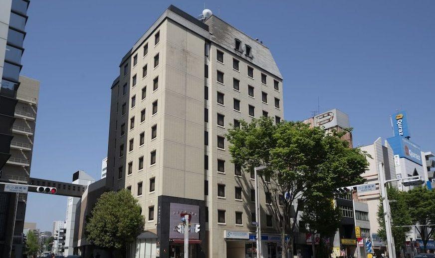 名古屋市中区にあるビルの敷地内に血を流して倒れていた二人の女性