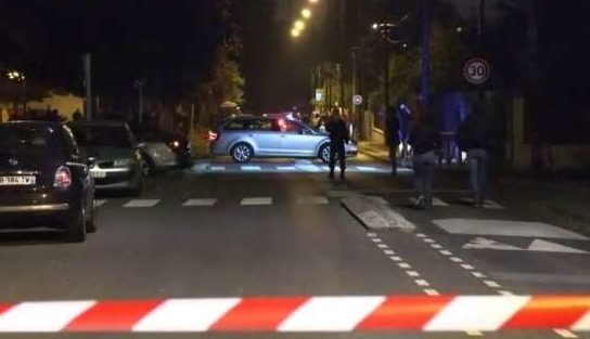 フランスの首都パリで中学校の教師が首を切断される事件