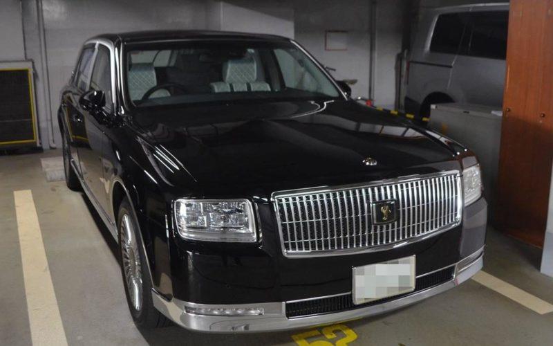 兵庫県知事が2千万円を超える公用車に変更したことが原因で批判が集中