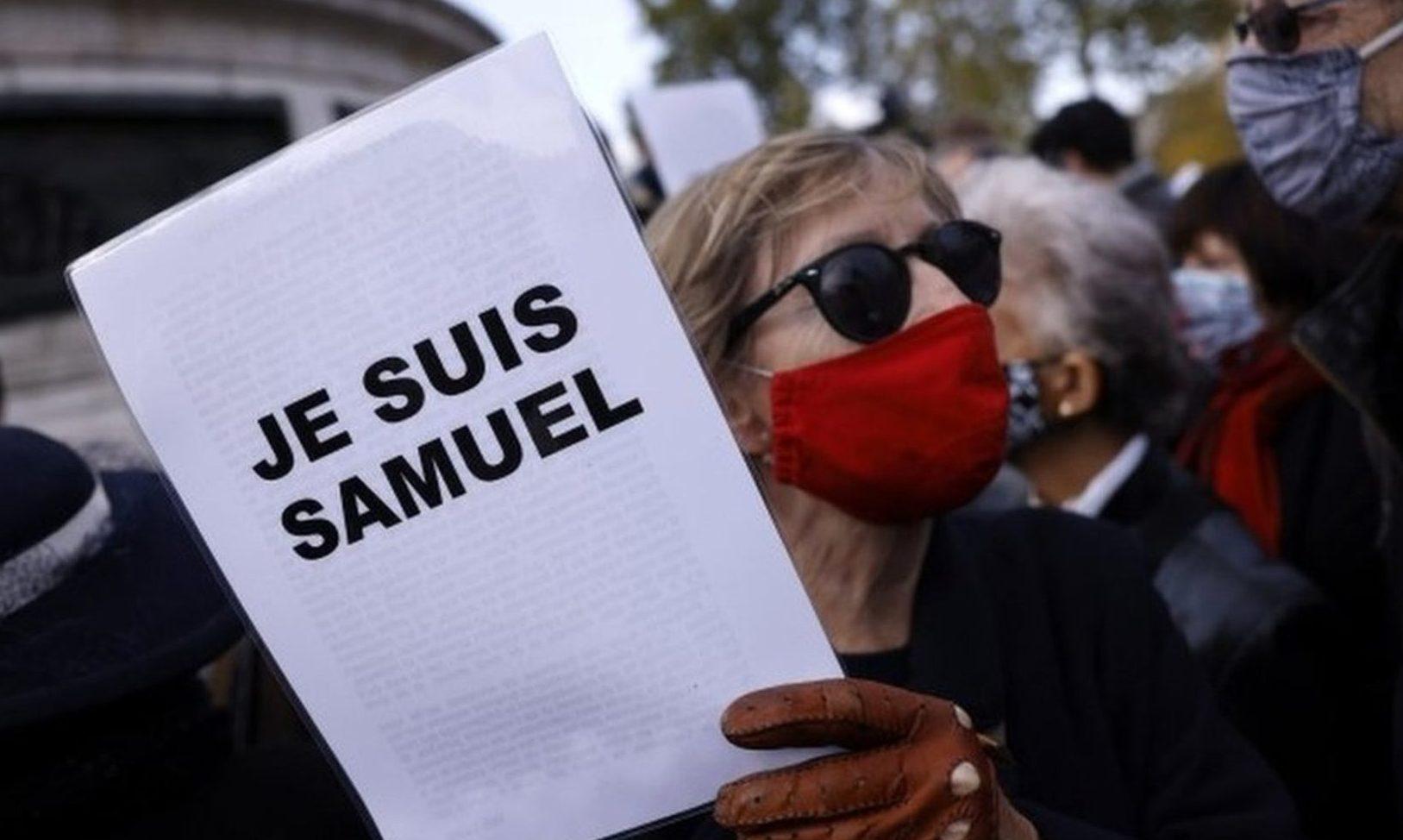 フランスの首都パリでイスラム教徒の風刺画を巡って教師を殺害