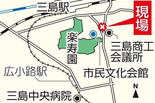三島市駅付近の路上で知人に刺された男性が死亡