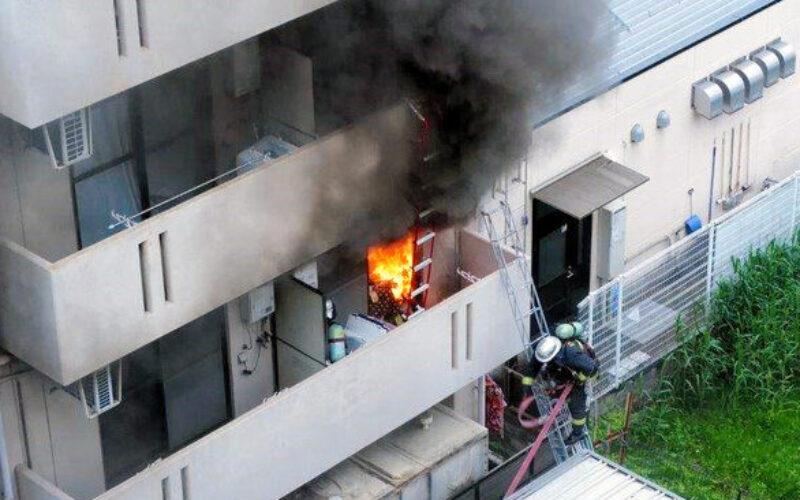 大阪府大東市のマンションで男が上の階に住む女性を殺害し自宅に放火