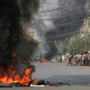ミャンマーで軍事パレードが開かれ抗議デモで集まった91人が銃撃され死亡