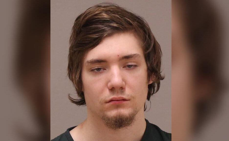米国のミシガン州でアパートに男が押し入り就寝中の少年を滅多刺し