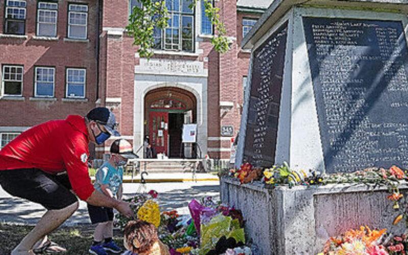 カナダで先住民寄宿学校のあった跡地に数百人の子供が埋められた遺体