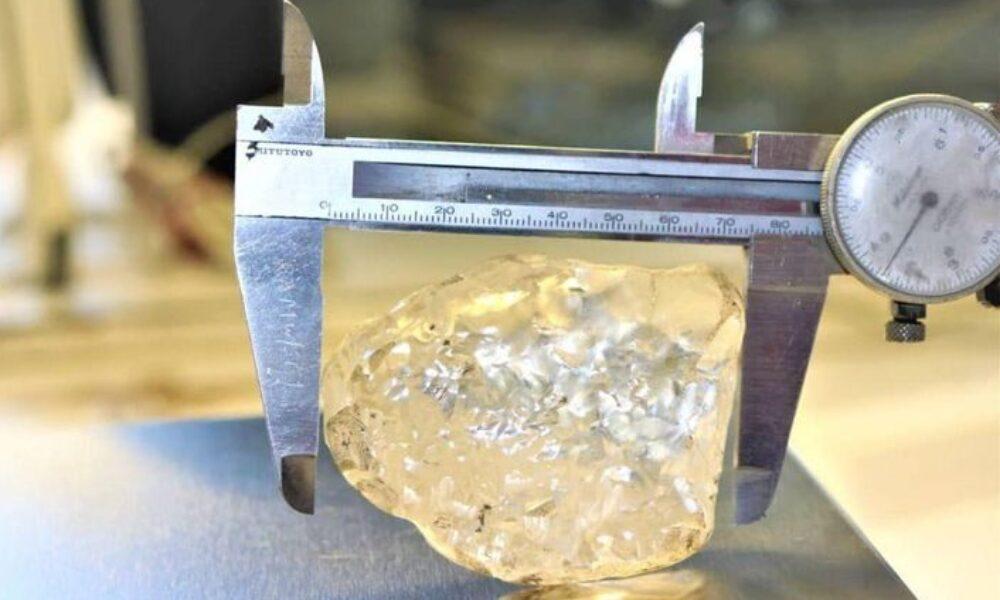 アフリカ南部のボツワナで巨大な原石のダイヤモンドを発掘