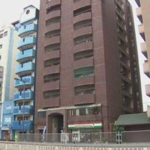 大阪市西成区にあるマンションで女性が知人に刺されて重傷