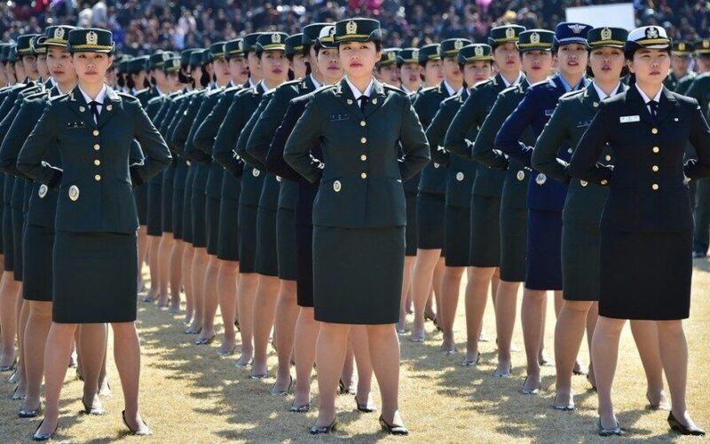韓国海軍所属の女性兵士が上官からの性的な暴行を受けて自殺